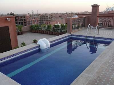 Superbe appartement dans une r sidence de marrakech for Appartement piscine marrakech