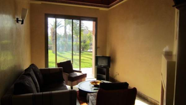 bel appartement situ au c ur de la palmeraie marrakech immomaroc. Black Bedroom Furniture Sets. Home Design Ideas