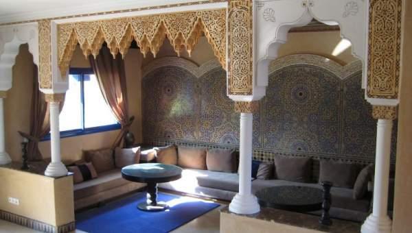 villa vendre sur la route de l 39 ourika marrakech immomaroc. Black Bedroom Furniture Sets. Home Design Ideas