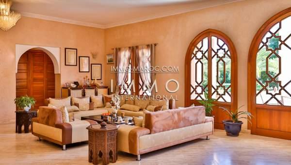 tr s belle villa marocaine dans domaine s curis immomaroc. Black Bedroom Furniture Sets. Home Design Ideas