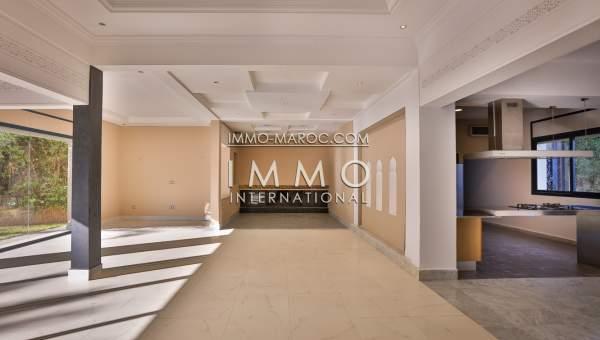 Villa a vendre proximit de l 39 ecole am ricaine et du for Acheter maison marrakech