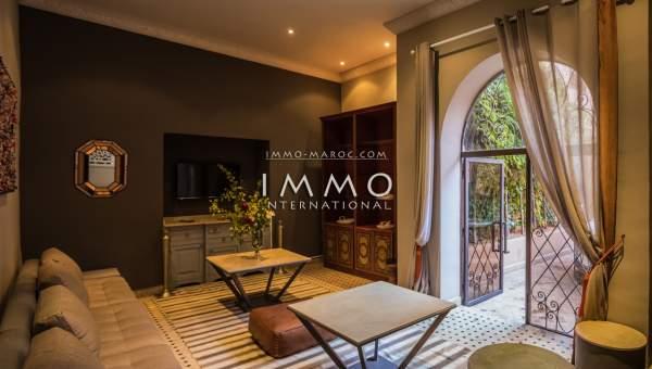 Riad à vendre garage Marocain épuré de prestige Marrakech moins de 10 minutes de la place Kasbah