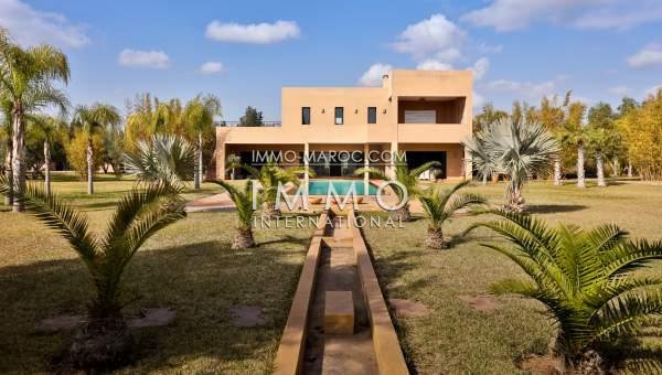 Location villa Moderne Marrakech Extérieur Route Ouarzazate