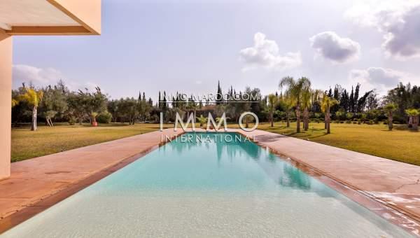 Location maison Moderne Marrakech Extérieur Route Ouarzazate