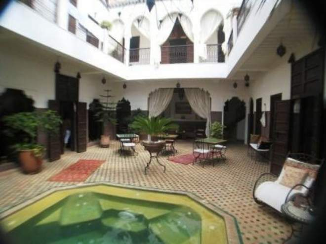 Petit riad a vendre a marrakech medina ryad immomaroc for Achat maison marrakech