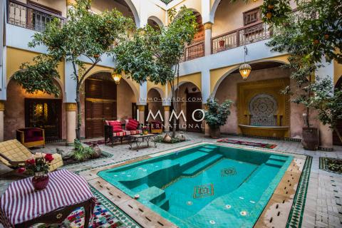 achat riad Marocain épuré Maison d'hôtes Marrakech moins de 10 minutes de la place Mouassine