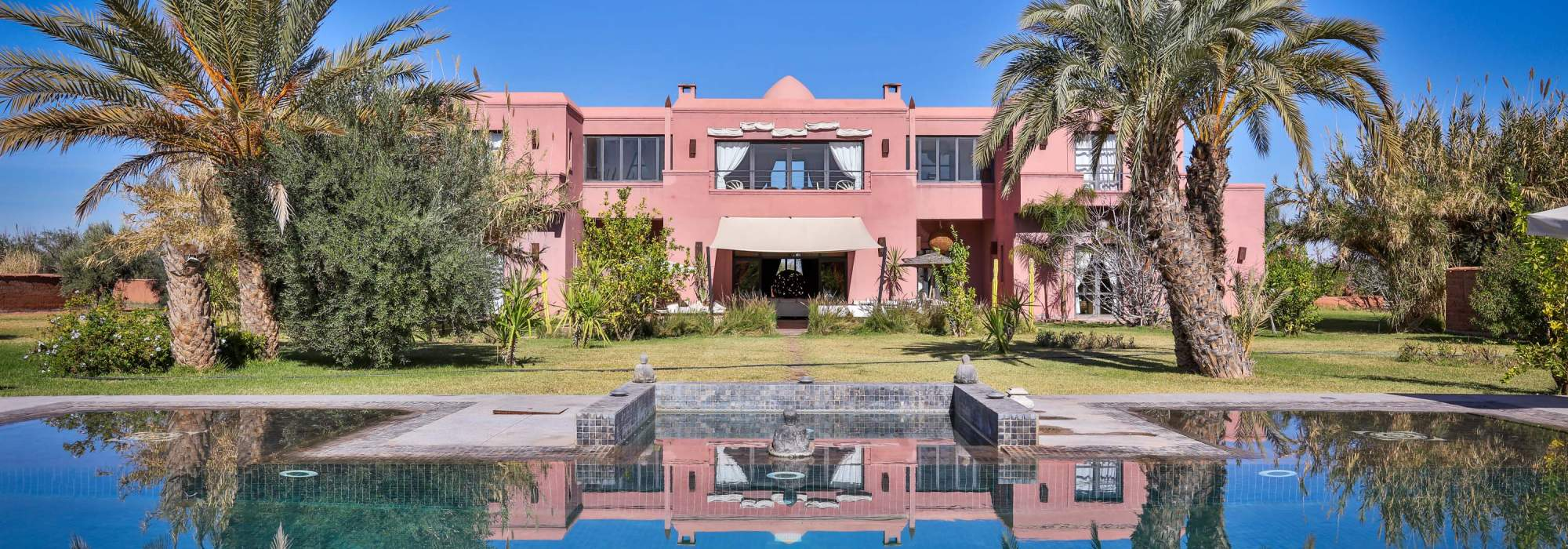 Luxueuse villa contemporaine a vendre route de fes marrakech