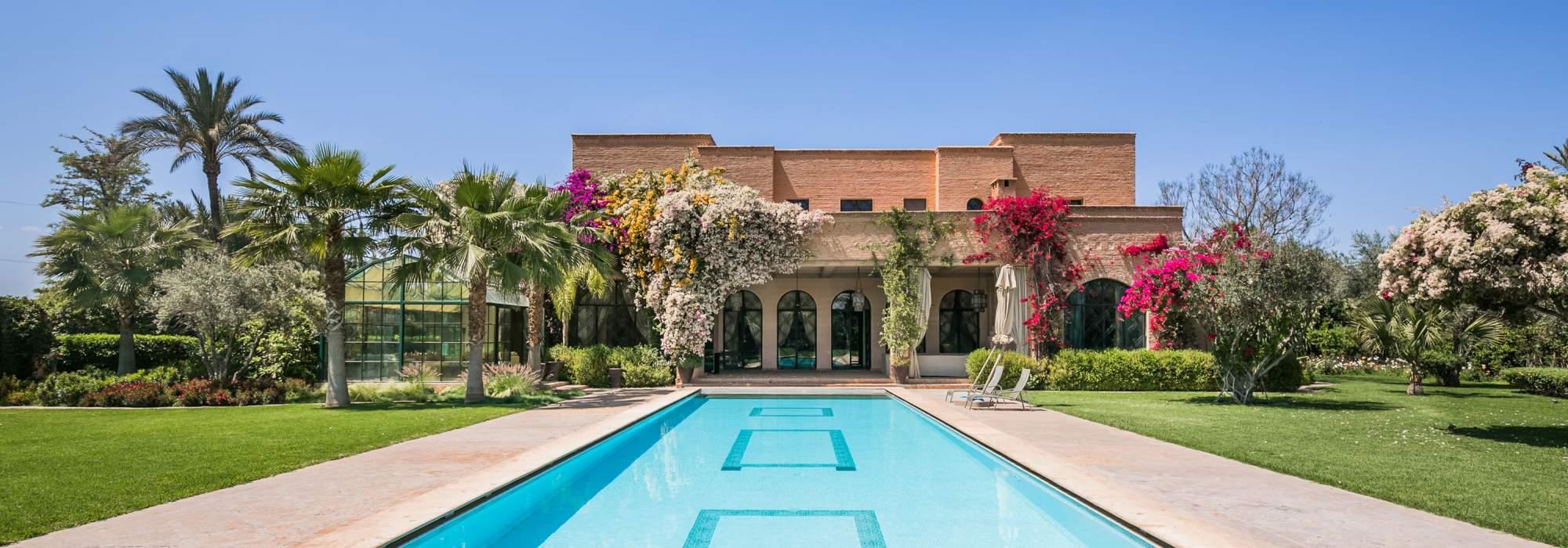 Villa de luxe a vendre Marrakech proche des golfs .
