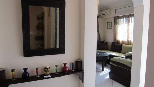 Location villa Marocain épuré Marrakech Extérieur Route Fes