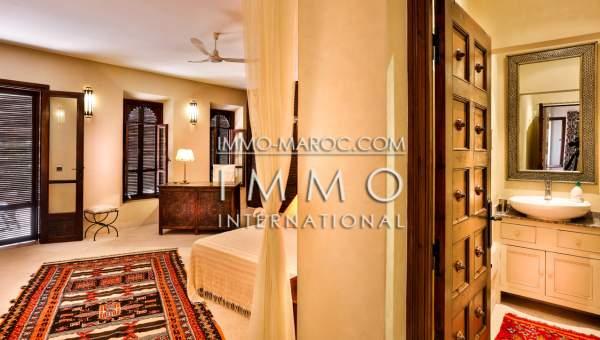riad vente Marocain épuré luxe Marrakech moins de 10 minutes de la place Kasbah