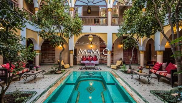 achat riad Marocain épuré luxe Maison d'hôtes Marrakech moins de 10 minutes de la place Mouassine