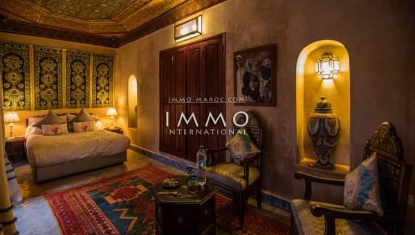 Riad à vendre Marocain épuré Maison d'hôtes Marrakech moins de 10 minutes de la place Mouassine
