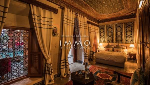 Vente riad Marocain épuré prestige Maison d'hôtes Marrakech moins de 10 minutes de la place Mouassine