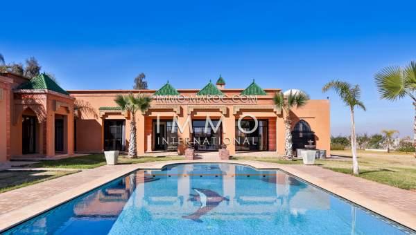 charmante villa marocaine vue d gag e sur l 39 atlas immomaroc. Black Bedroom Furniture Sets. Home Design Ideas