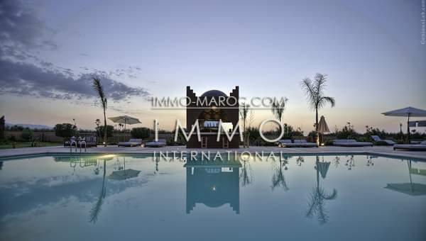 Vente maison Marocain épuré luxueuses Marrakech Extérieur Route Amizmiz