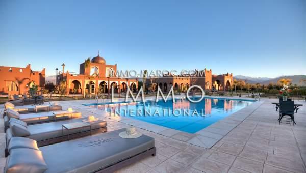 Vente maison Marocain épuré luxe Marrakech Extérieur Route Amizmiz