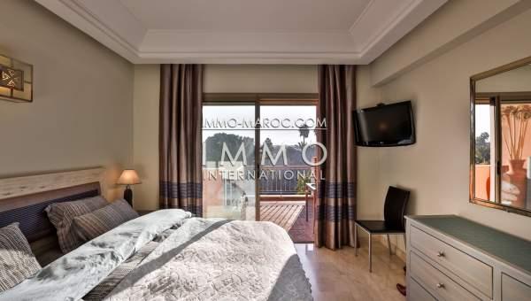 Appartement de luxe avec terrasse et belle vue sur jardin