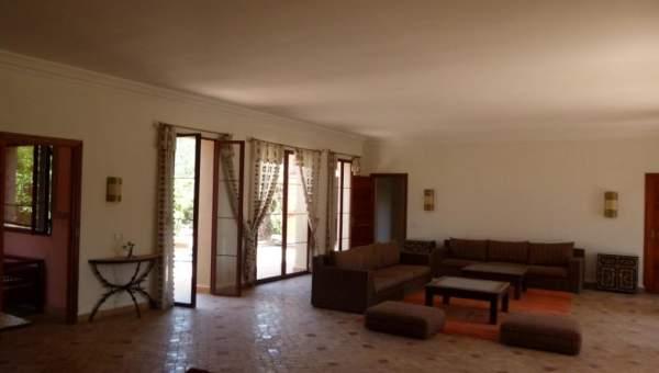 Villa à louer Contemporain Marrakech Extérieur Route Amizmiz