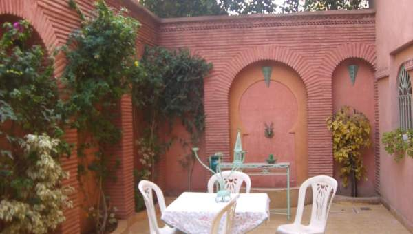 Vente villa Marocain épuré Marrakech Centre ville Route Casablanca