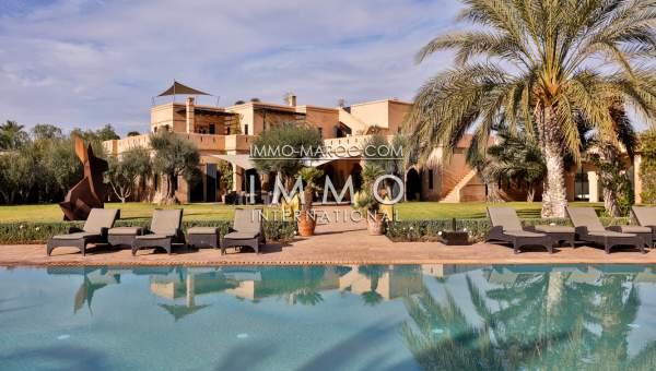 Trés Belle Propriété A La Palmeraie De Marrakech De Style Moderne Et  Marocain