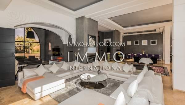 Vente villa Marocain épuré agence immobiliere de luxe marrakech Marrakech Extérieur Route Fes