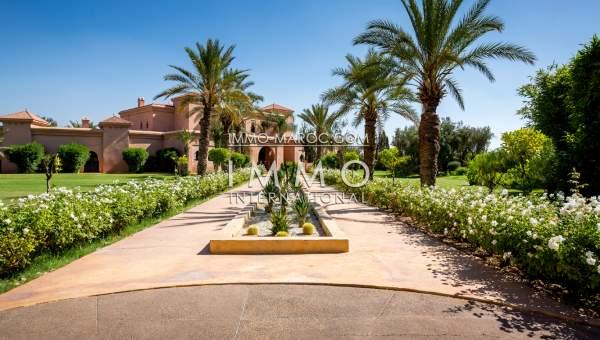 Maison à vendre haut de gamme Maison d'hôtes Marrakech Extérieur Route Ourika