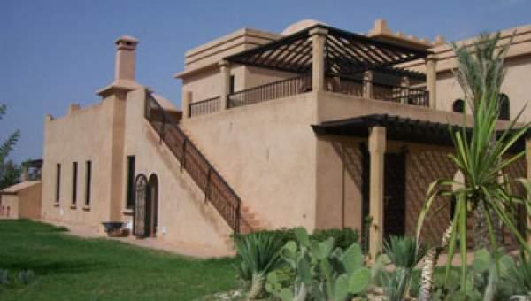 Villa Sur La Route De Fes Et A 9 Km Du Centre De Marrakech Immomaroc