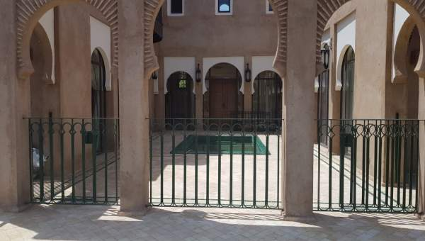 Vente maison voiture Marrakech Extérieur Route Fes