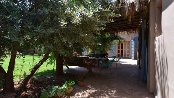 Achat villa Marocain épuré Marrakech Extérieur Route Fes