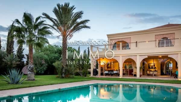 Vente villa Marocain épuré luxueuses Marrakech Extérieur Route Amizmiz