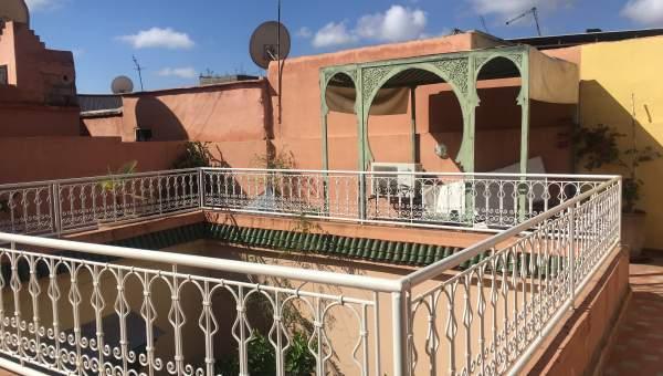 Riad à vendre voiture Marrakech moins de 10 minutes de la place Riad Laarous