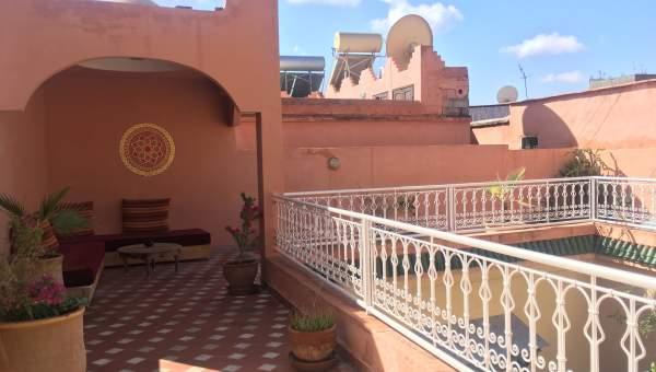ryad auto Marrakech moins de 10 minutes de la place Riad Laarous