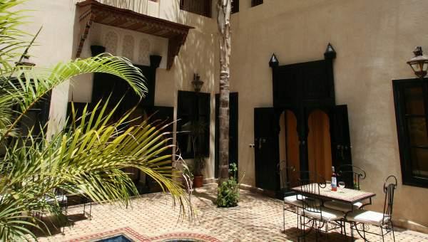 Riad à vendre Marocain Marrakech moins de 10 minutes de la place Riad Laarous
