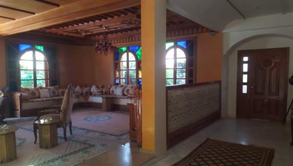 villa achat Marocain épuré Marrakech Centre ville Targa