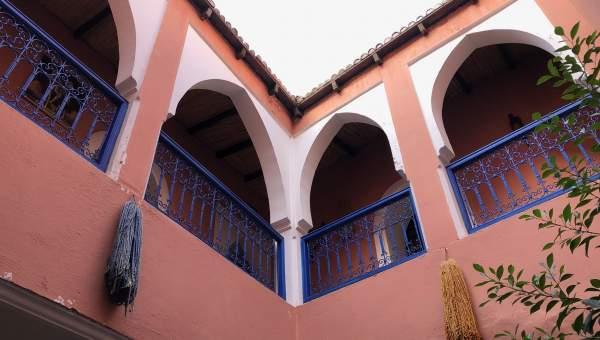 Riad à vendre auto Marocain Maison d'hôtes Marrakech moins de 10 minutes de la place