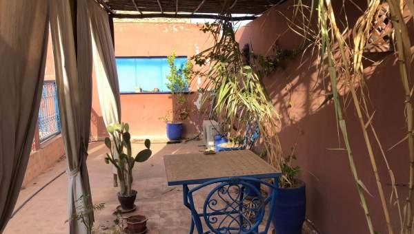 Vente riad Accès voiture Marocain Maison d'hôtes Marrakech moins de 10 minutes de la place