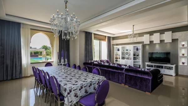 Location villa Marocain épuré luxe Marrakech Extérieur Route Sidi Abdellah Ghiat