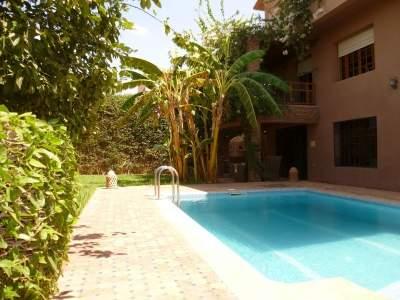 Sale traditional villa Marrakech city center Targa