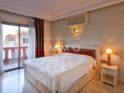 Vente appartement de luxe deux chambres avec vue sur jardin