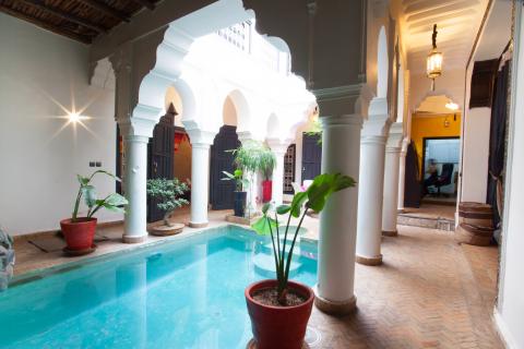 Riad à vendre Marocain épuré Marrakech moins de 10 minutes de la place Riad Laarous