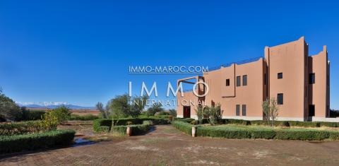 Achat villa Marocain épuré Marrakech Extérieur Route Barrage