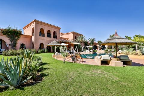 Villa à vendre haut de gamme Maison d'hôtes Marrakech Extérieur Route Ourika