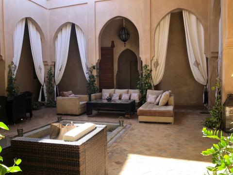 Villa à louer Contemporain Marrakech Extérieur Ecole américaine Route Ouarzazate