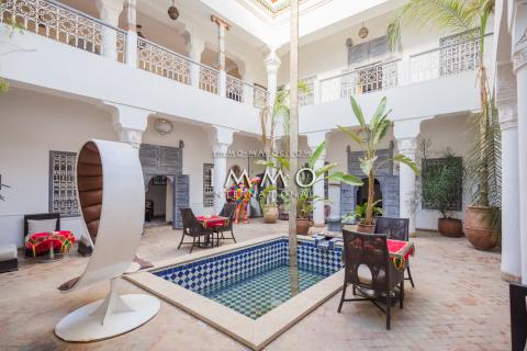 riad vente Marocain épuré Marrakech moins de 10 minutes de la place Riad Laarous